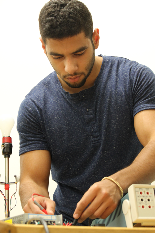 Student working in an engineering lab