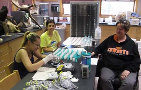 MWSU biology students - lab research - conservation department