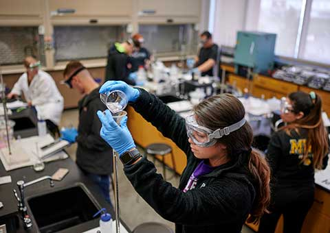 MWSU chemistry student works on a project
